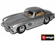 Bburago 1:24 Porsche Macan Metallic Blue